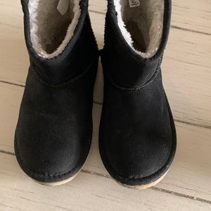Old Navy Sherpa Lined Ankle Boots